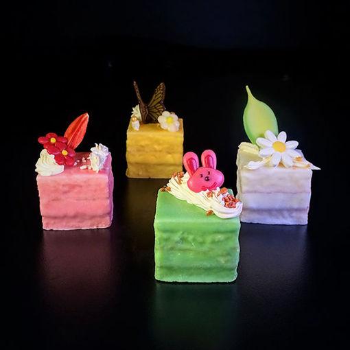 Afbeelding van Mini gebakjes opgemaakt Vierkant